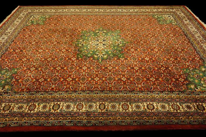 TAPIS INDO-PERSAN, décor Bidjar, 250 cm x 342 cm, vers 1970