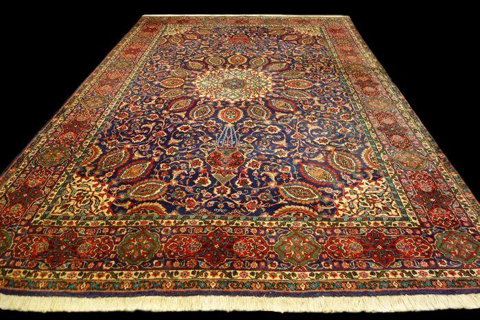 TAPIS PERSAN TABRIZ, Iran, 220 cm x 344 cm, laine nouée main vers 1960
