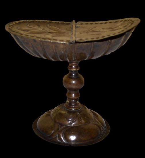 Navette à encensoir en Cuivre repoussé, France, XVIème Siècle