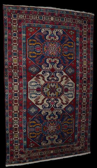 TAPIS KAZAK, Caucase, Russie, 126 cm  x 211 cm, vers 1970