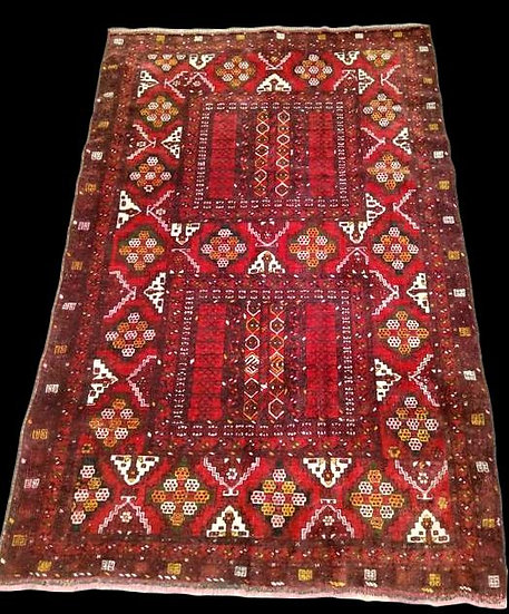 Tapis des Turkmènes Yomoud, 155 cm x 233 cm, laine nouée main, début du XXème si