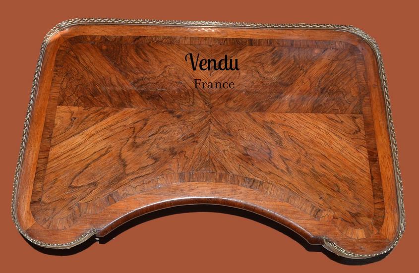 TABLE DE LIT Louis XV, estampillée MIGEON - XVIII ème siècle
