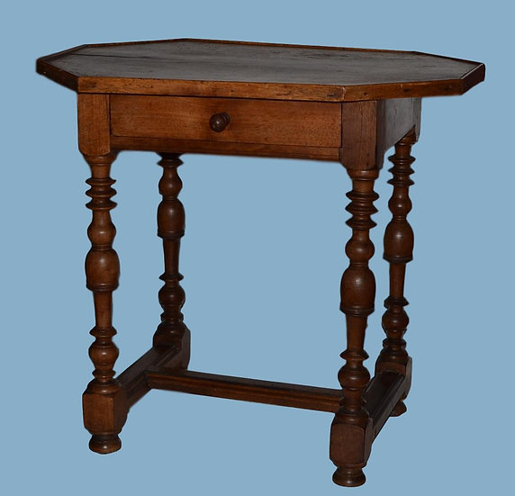 TABLE CABARET EN NOYER, Louis XIII du XVIII ème Siècle