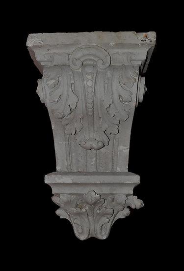 Console en plâtre à décors de feuille d'acanthe, XIXème siècle