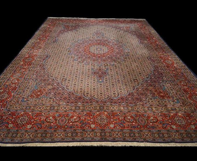 Tapis Persan Moud mahi, Iran, 252 cm x 362 cm, laine et soie, vers 1980