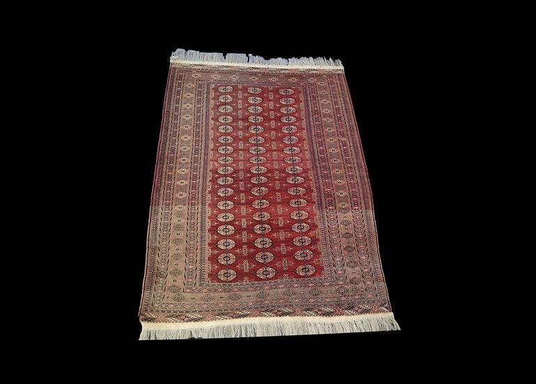Tapis Boukhara-Tekke , Asie Centrale, 133 cm x 180 cm, laine nouée main, avant 1