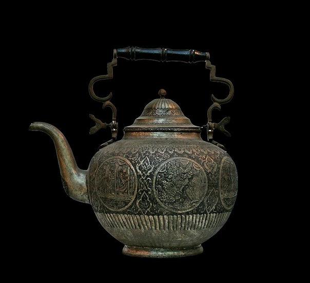 Rare et importante théière de clan, cuivre argenté, Azerbaïdjan, XIXéme