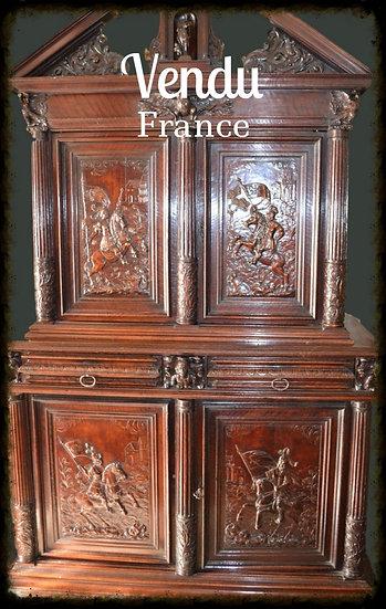 ARMOIRE AUX QUATRE CAVALIERS - noyer - Provence XVII ème siècle