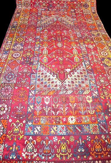 Tapis Ladik de Mosquée, 205 cm x 465 cm, Anatolie, Turquie, Fin du XVIII- Début