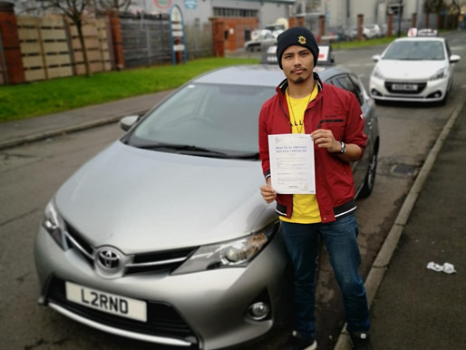 Driving lessons in Rochdale with his local driving school iDrive. Learn in manual too!