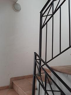 apto conselice 2 escada.jpg