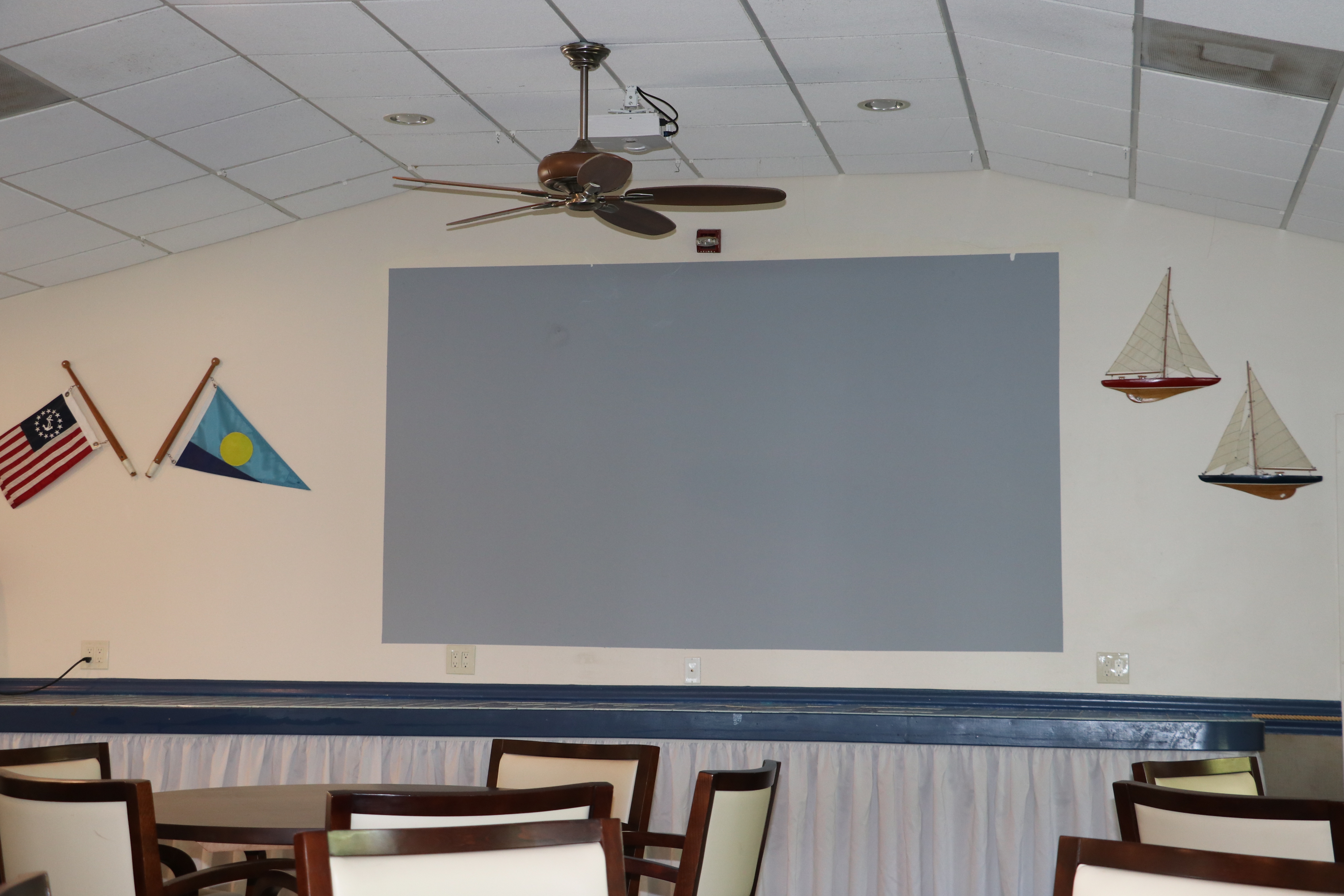 X-Large Projection Screen