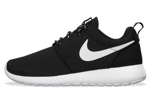46389dfc42e3 NIKE ROSHE RUN ONE BLACK WOMEN