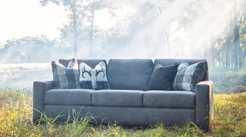 8886F Sofa