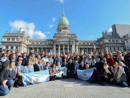 Michetti, cuatro ministros y cientos de funcionarios sentaron postura contra el aborto