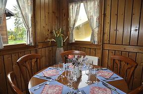 Table restaurant.jpg
