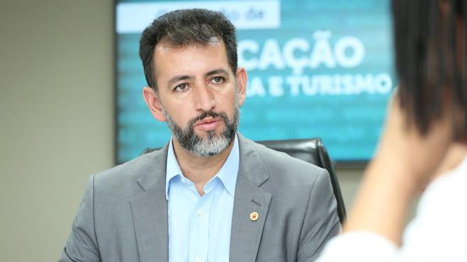 Marcos Vieira fica entre os 3 vereadores mais produtivos de Curitiba