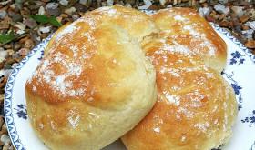 Floury Baps (Bread Rolls)