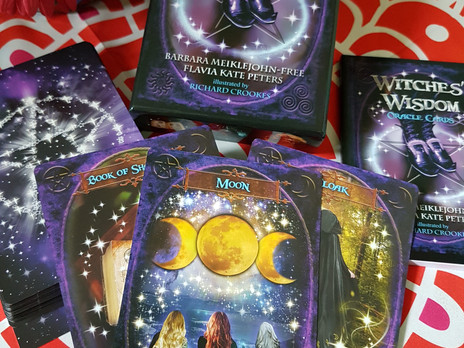 Review: The Witches' Wisdom Oracle