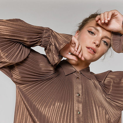 SHIMMERING PLEATED SHIRT