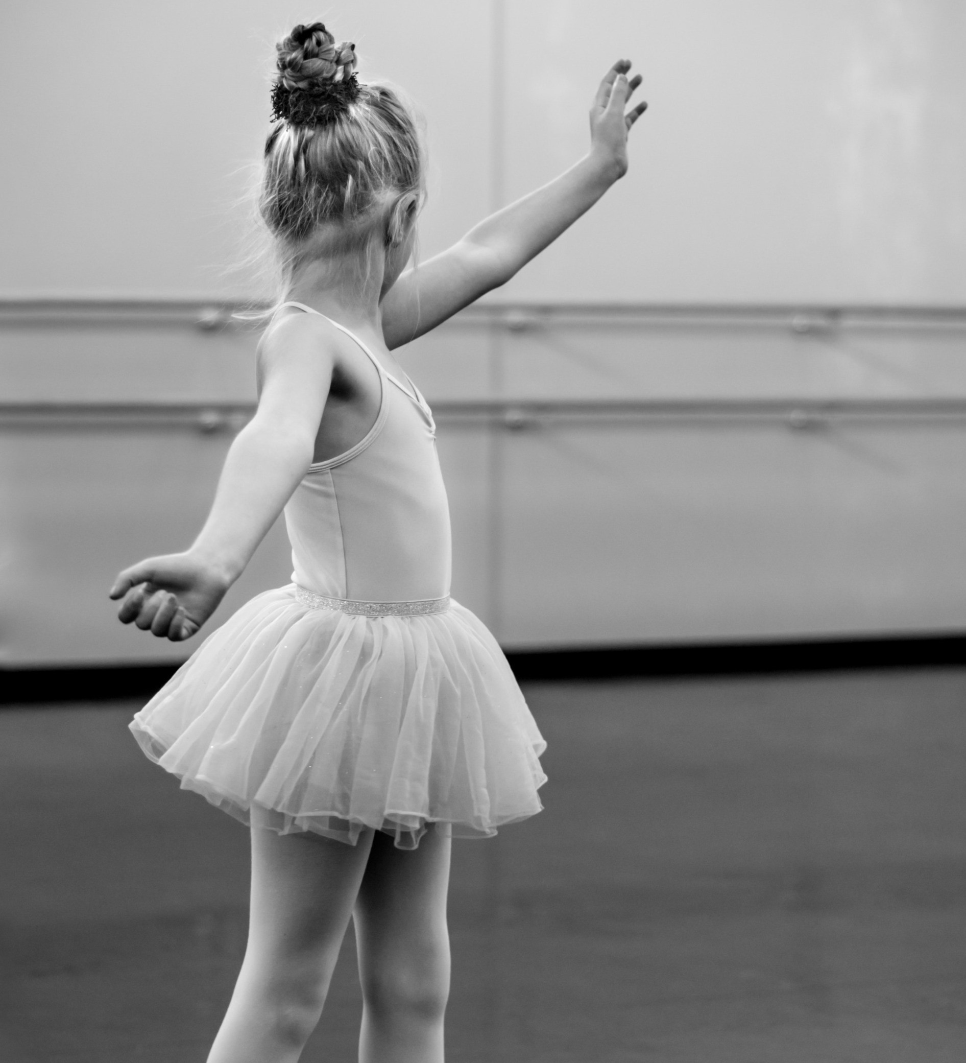 Mon 5:15PM Ballet 6-8 yr olds