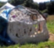 Construction d'un dôme en terre chanvre