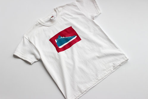 Kinder T-Shirt mit Turnschuh Motiv