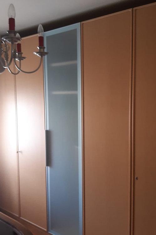 Kleiderschrank mit 3 Abteilungen