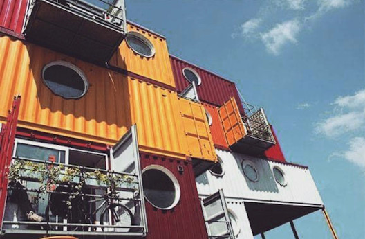 apartamentos containers.jpg