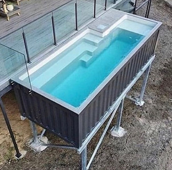 piscina shipping container.jpg