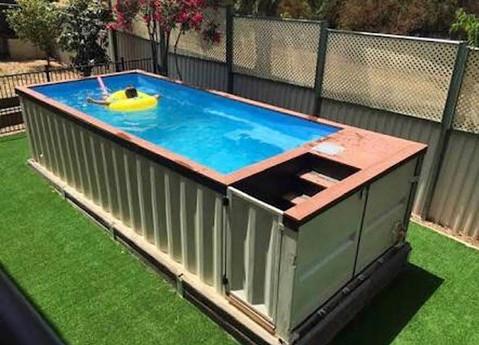 piscina con container maritimo.jpg