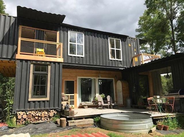 casa rustica con container.jpg