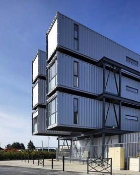 edificio con containers.jpg