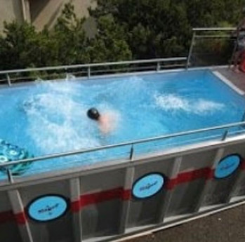 piscina container.jpg