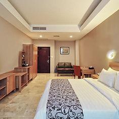 Horizon kingbed room.jpg