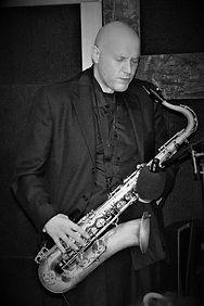 Marco Giordano al sax.jpg