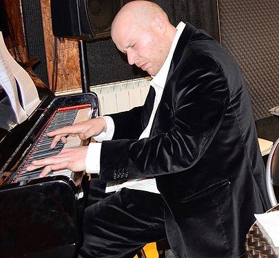 Marco Giordano al Piano.jpeg