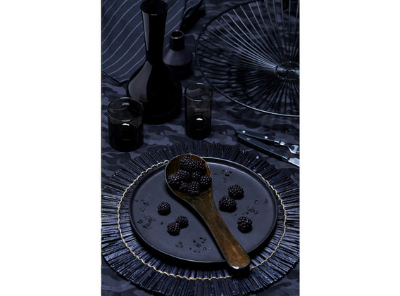 Autumn dish black