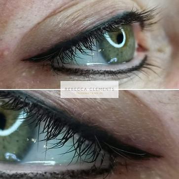Nærbilder av eyeliner tatovering av Rebe