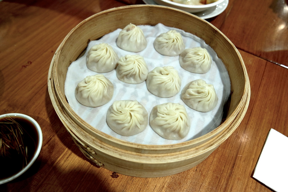 Where to eat in Taipei? Michelin Star restaurant Din Tai Fung. These are the famous Xaiolongbao