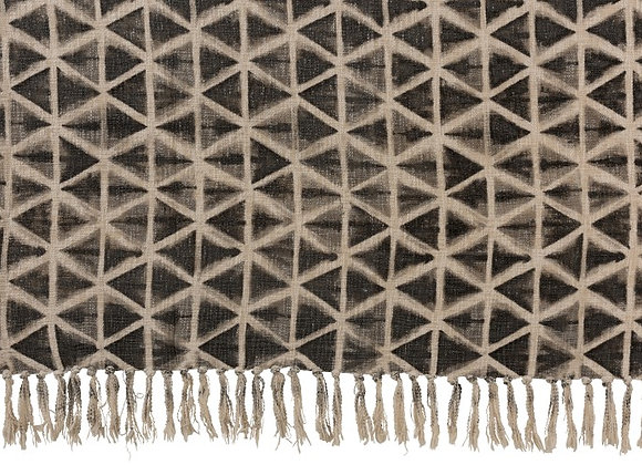 Plaid triangle pompon