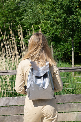 Zaino Silver Metallic Leather Backpack - Jijou Capri