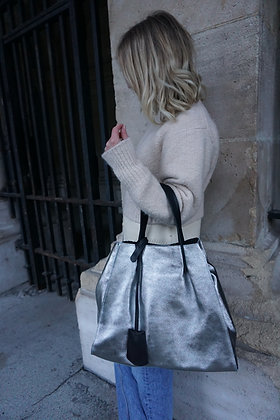 James Vertigo Metallic Handbag