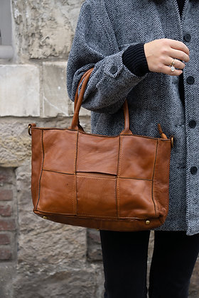 Camel Evangeline Vintage leather handbag - Jijou Capri