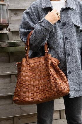 Maxi Quatro Camel Vintage leather handbag - Jijou Capri