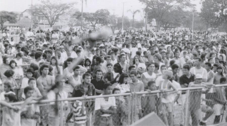 Público em uma das edições nos anos 1980, Rock Cerrado do Gama . (Crédito da foto: Arquivo Rock Cerrado)