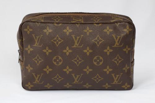 9fb1ba0452cb Louis Vuitton Toiletry Bag 23