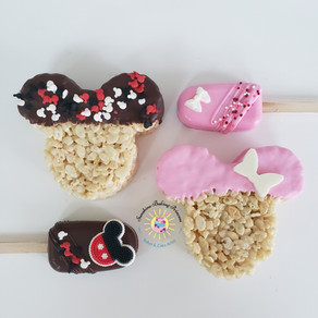 Mickey inspired Cakesicles and Rice Krispie Treats