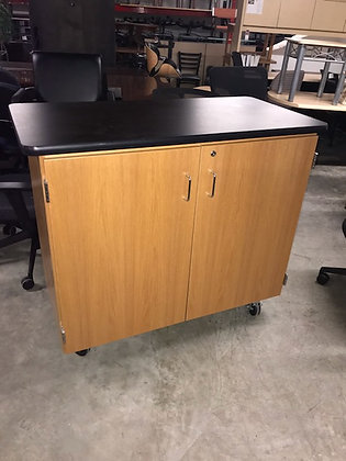 #430, Pre-Owned Mobile Lab Table