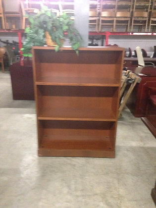 #26, Pre-Owned Knoll 3 Shelf Bookcases